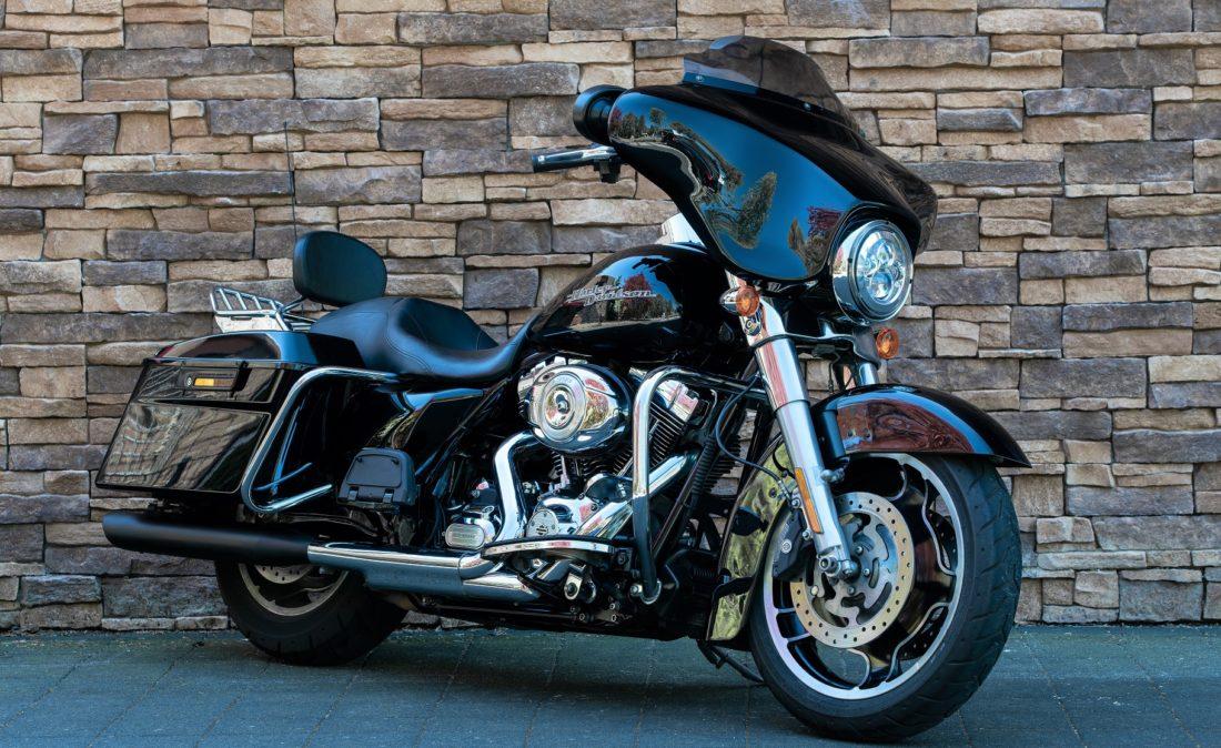 2012 Harley-Davidson FLHX Street Glide Touring RV