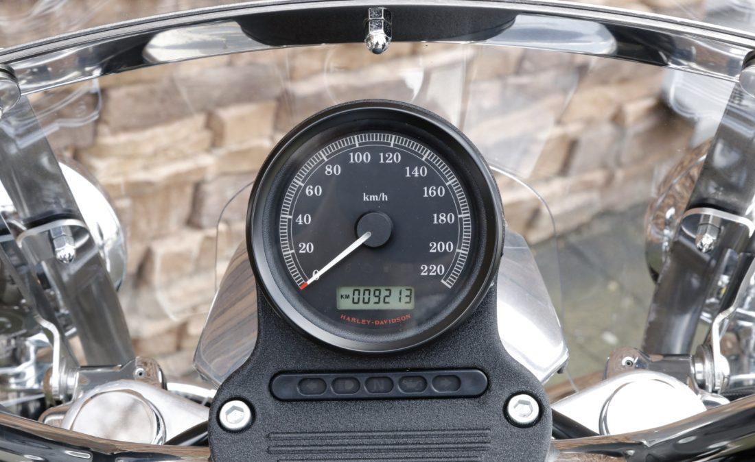 2011 Harley-Davidson XL883L Superlow Sportster XL883L T1