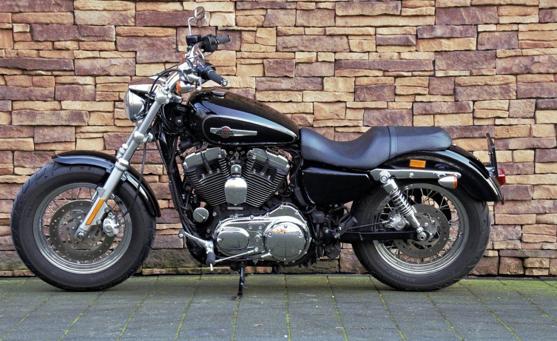 2011 Harley-Davidson XL1200C Sportster Custom L2