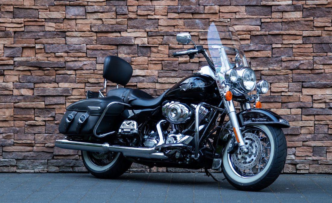 2011 Harley-Davidson FLHRC Road King Classic RV