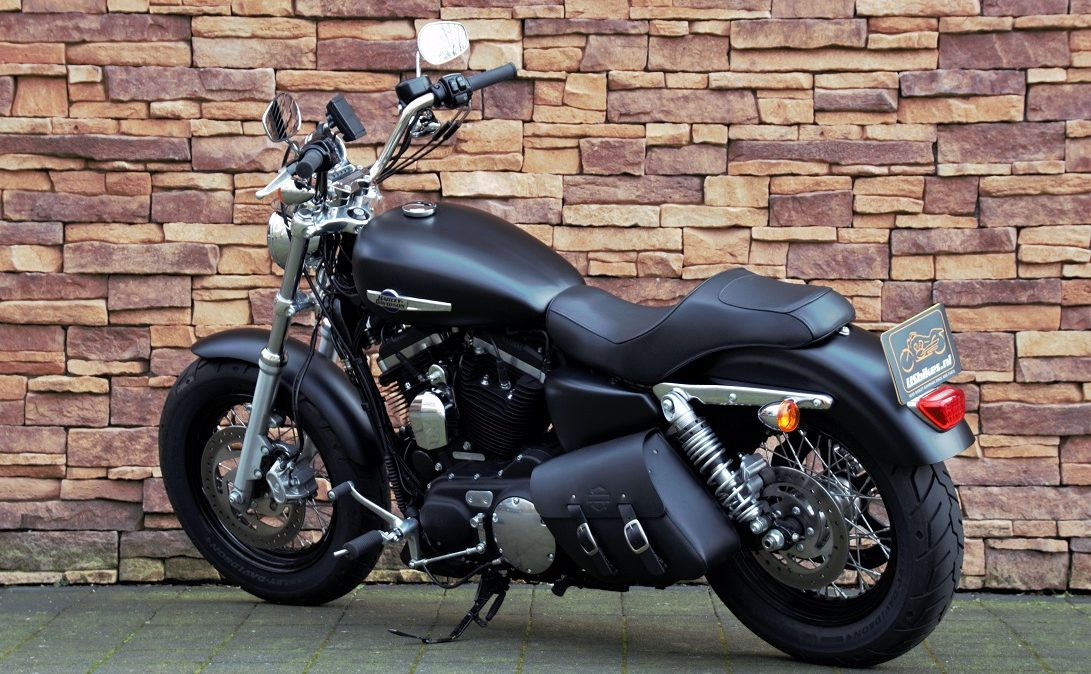 2017 Harley-Davidson XL1200C Sportster Custom LA