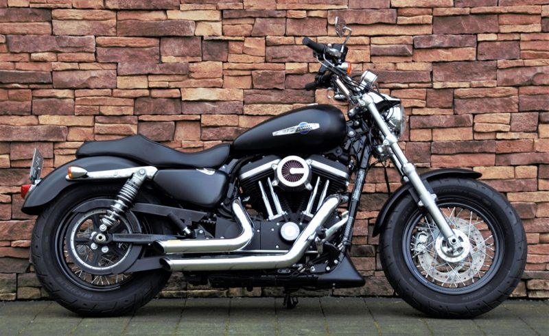 2017 Harley-Davidson XL1200C Sportster Custom