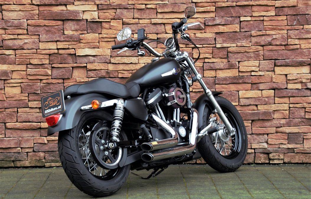 2017 Harley-Davidson XL1200C Sportster Custom RA