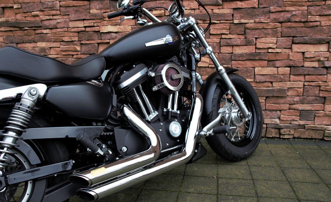 2017 Harley-Davidson XL1200C Sportster Custom Rz