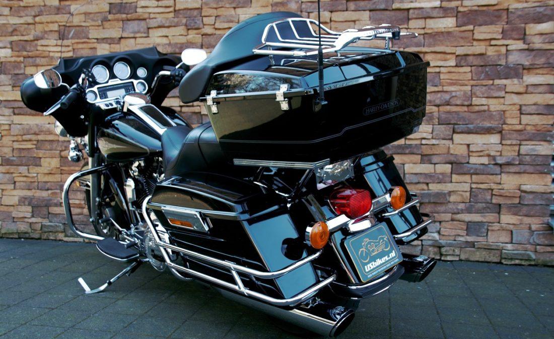 2012 Harley-Davidson FLHTC Electra Glide Classic Touring LRz