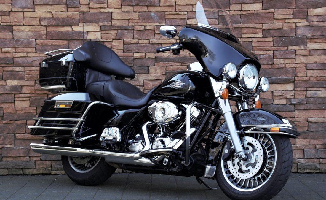 2012 Harley-Davidson FLHTC Electra Glide Classic Touring RV