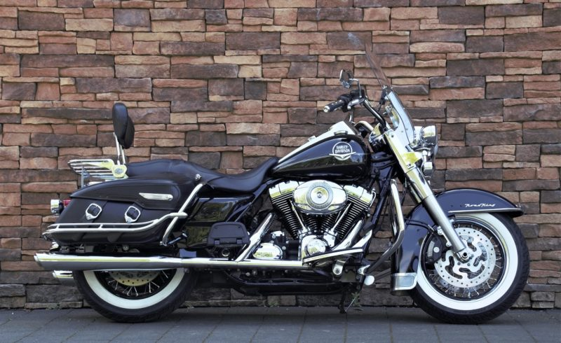 2008 Harley-Davidson FLHRC Road King Classic Touring