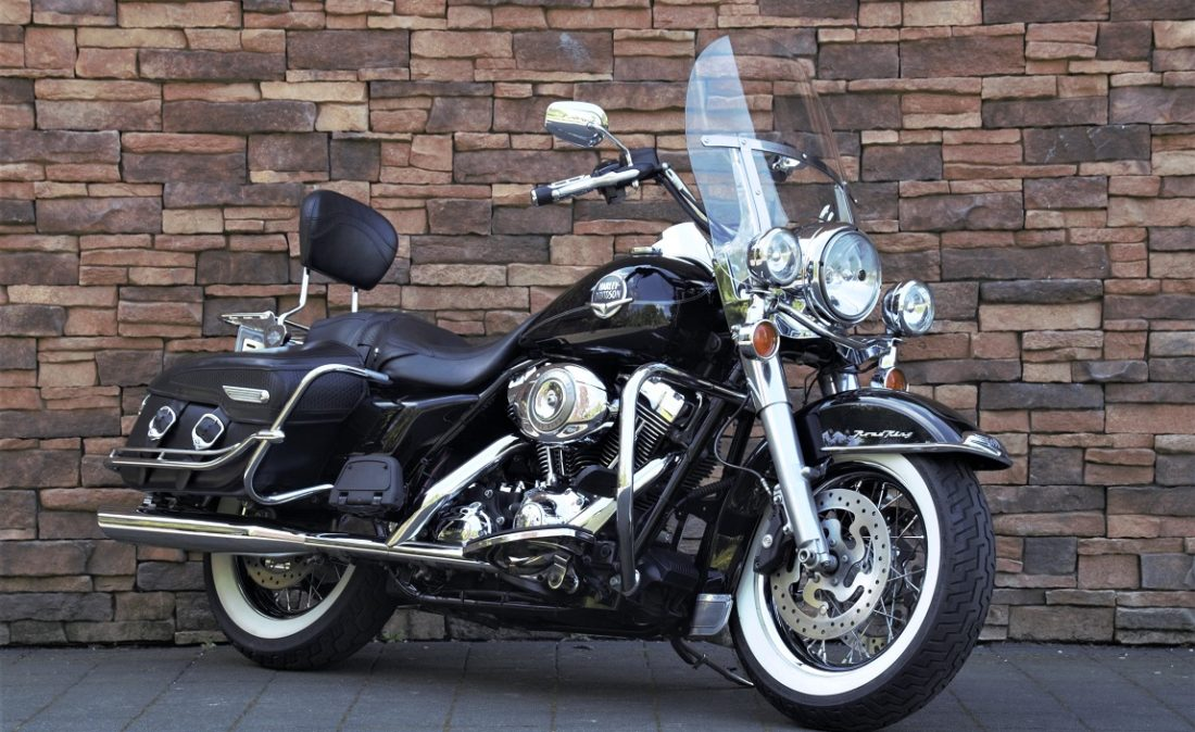 2008 Harley-Davidson FLHRC Road King Classic Touring RV