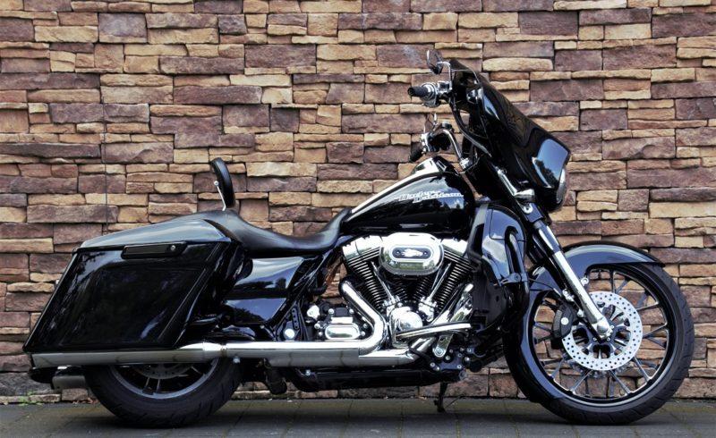 2016 Harley-Davidson FLHX Street Glide 103