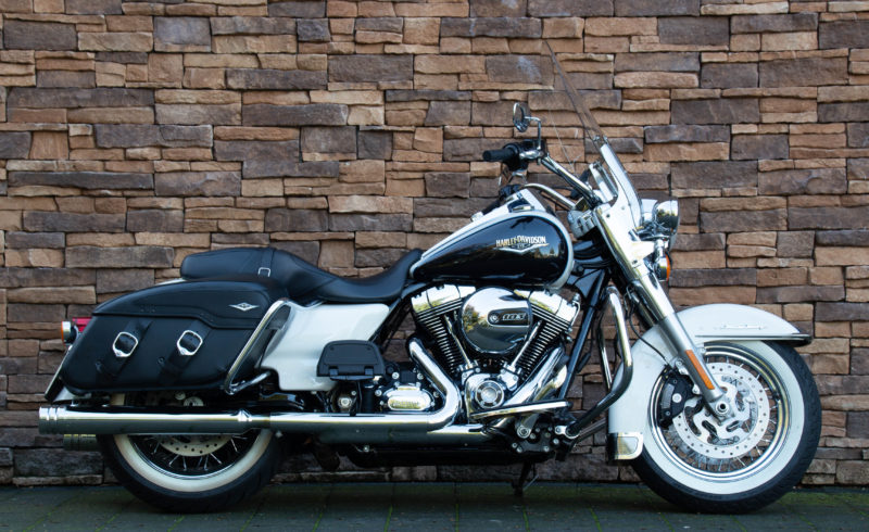 MY 2014 Harley-Davidson FLHRC Road King Classic 103 Touring ABS