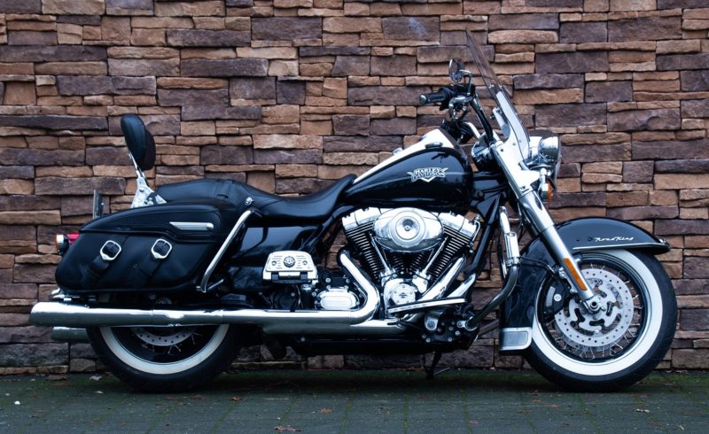 2011 Harley-Davidson FLHRC Road King Classic 103 ABS