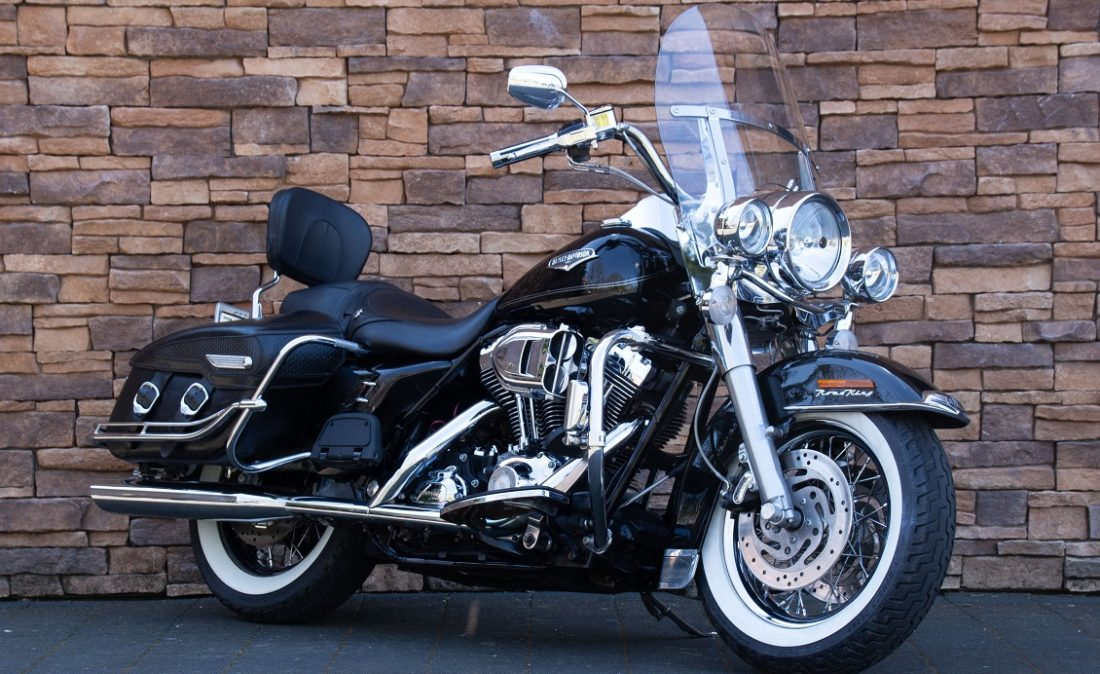 2007 Harley-Davidson FLHRC Road King Classic RV