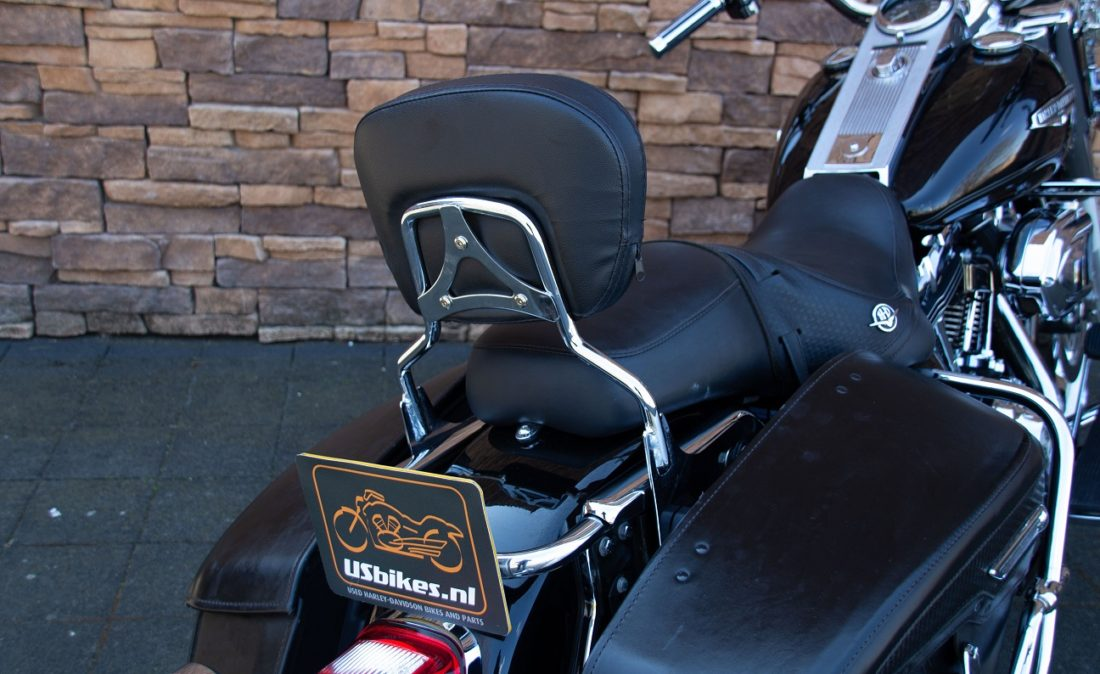 2007 Harley-Davidson FLHRC Road King Classic SB