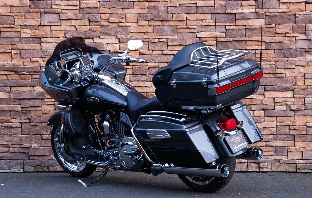 2011 Harley-Davidson FLTRUSE Road Glide Ultra CVO 110 LA