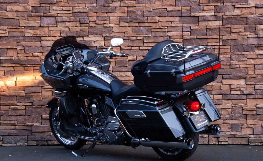 2011 Harley-Davidson FLTRUSE Road Glide Ultra CVO 110 LAL