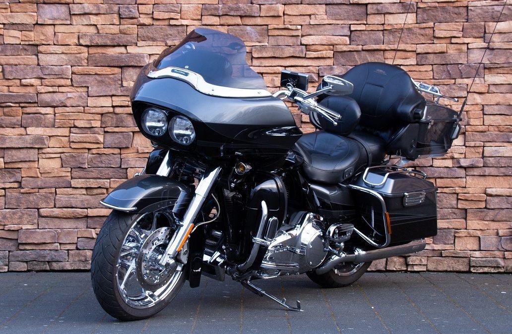 2011 Harley-Davidson FLTRUSE Road Glide Ultra CVO 110 LV