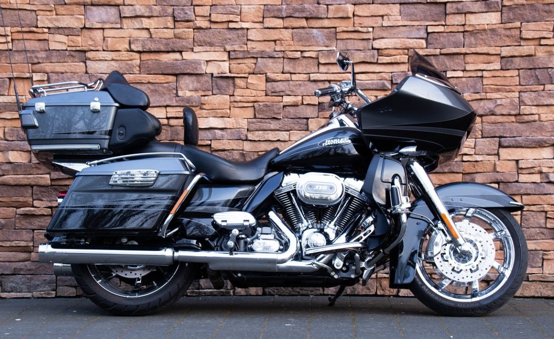 2011 Harley-Davidson FLTRUSE Road Glide Ultra CVO 110 R