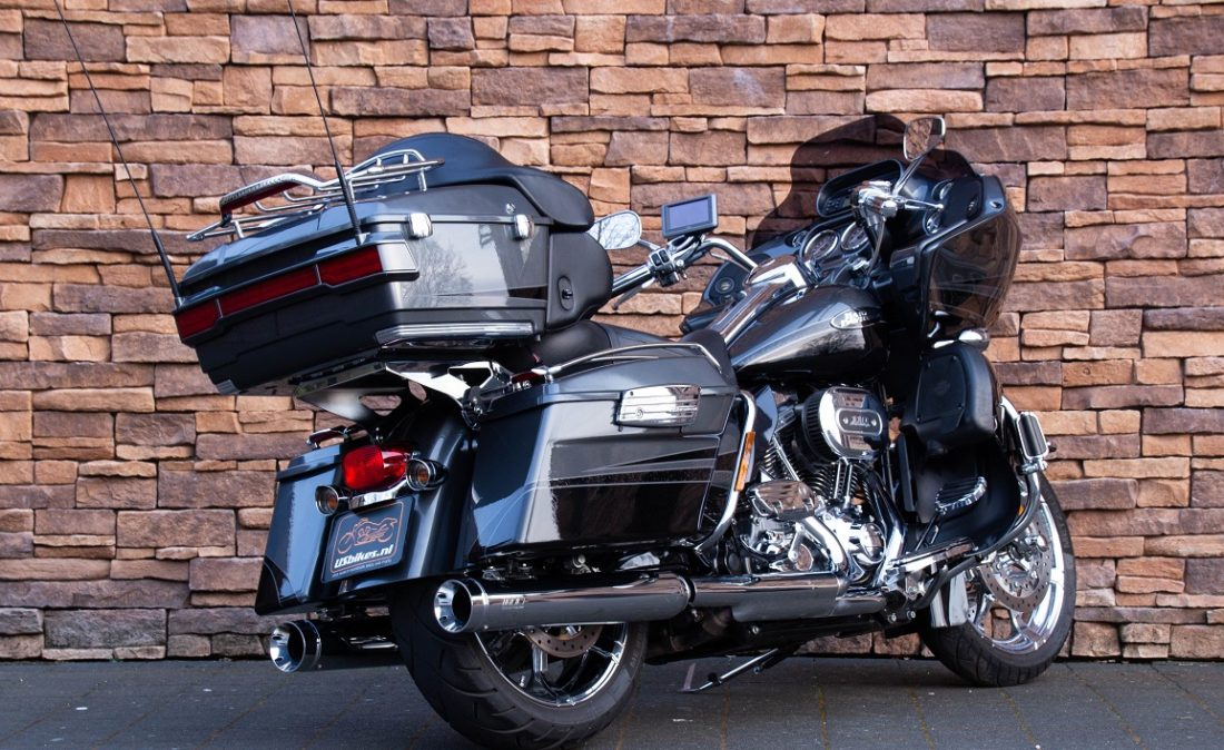 2011 Harley-Davidson FLTRUSE Road Glide Ultra CVO 110 RA