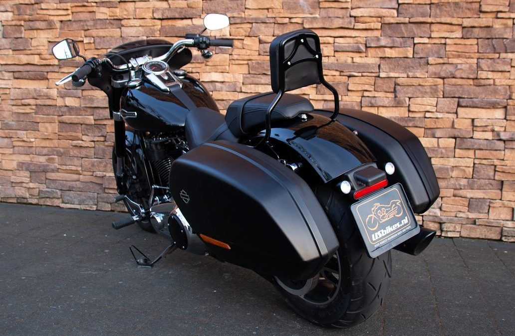 2018 Harley-Davidson FLSB Sport Glide 107 Softail LAA
