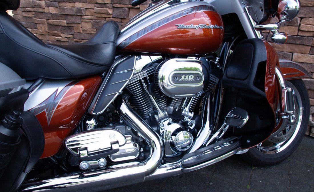 2014 Harley-Davidson FLHTKSE CVO Ultra Limited 110 RE