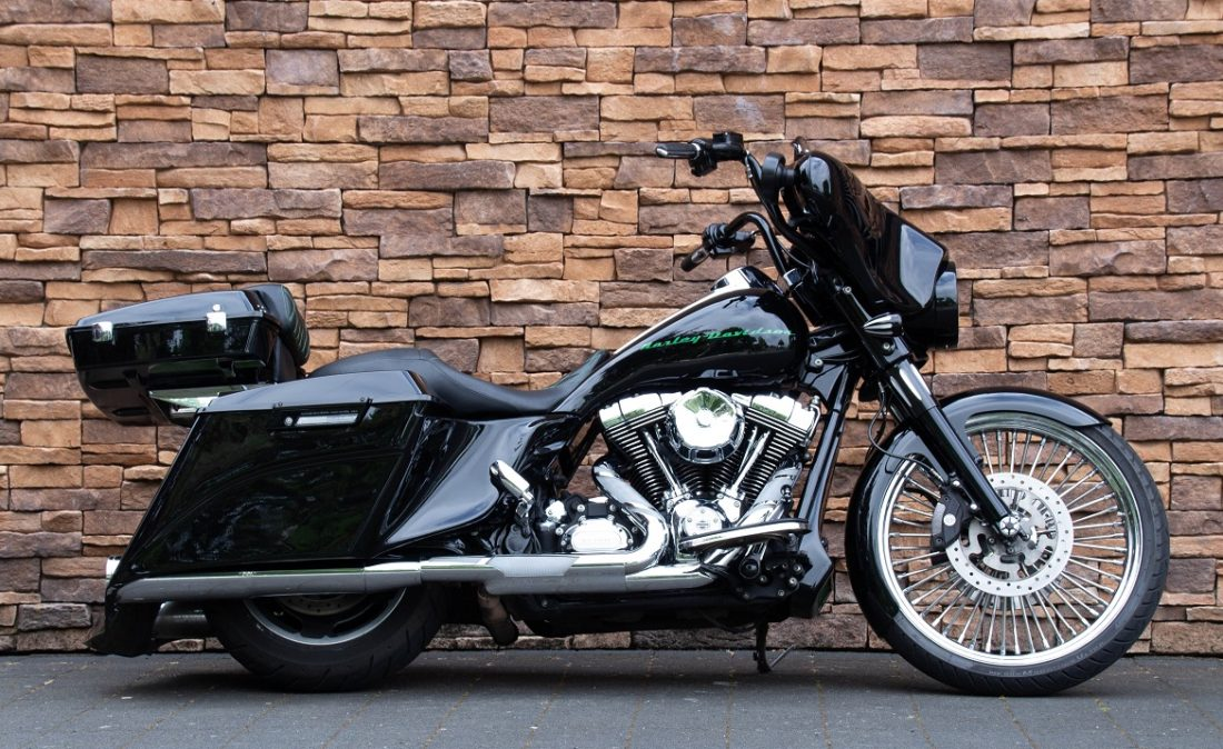 2011 Harley-Davidson FLHX Street Glide Bagger Touring 103 R