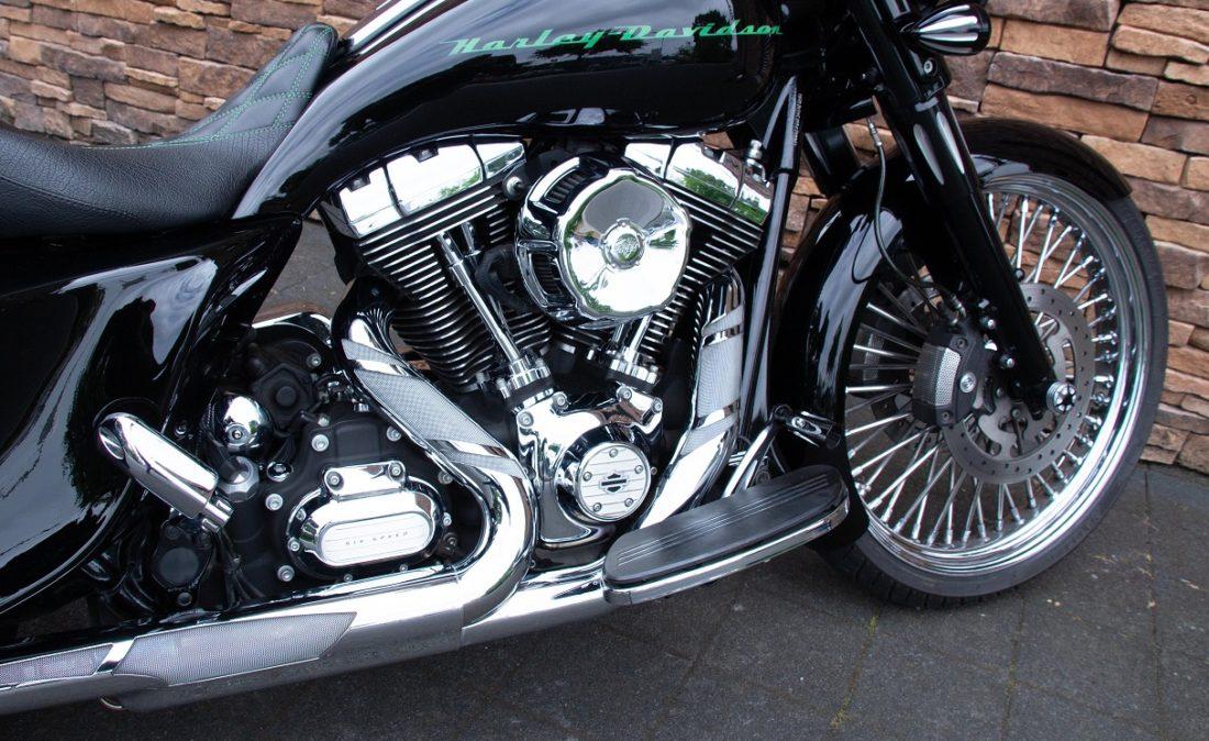 2011 Harley-Davidson FLHX Street Glide Bagger Touring 103 RE