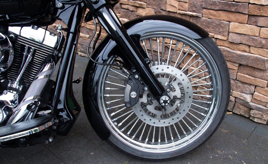 2011 Harley-Davidson FLHX Street Glide Bagger Touring 103 RFW