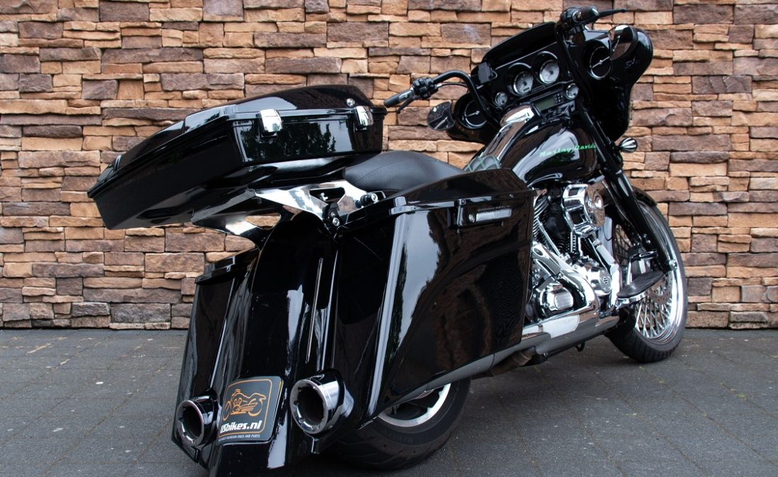 2011 Harley-Davidson FLHX Street Glide Bagger Touring 103 TK