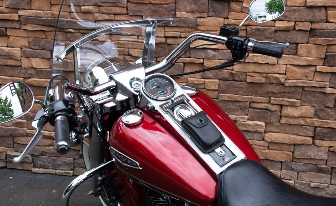 MY2007 Harley-Davidson FLHRC Road King Classic Touring LD