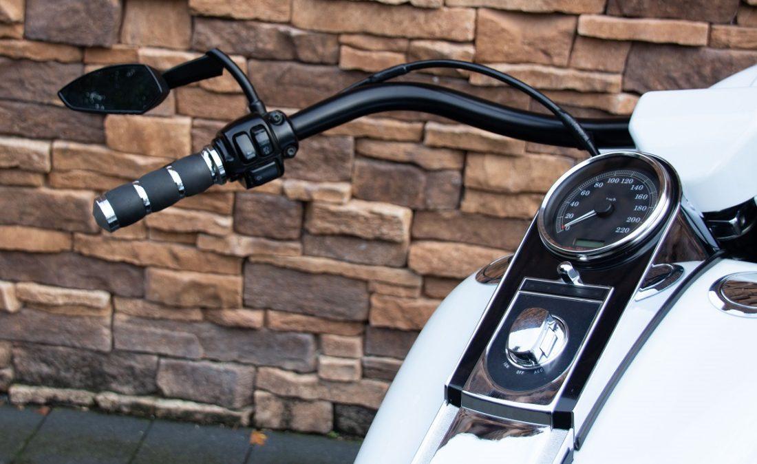 2006 Harley-Davidson FLSTN Softail Deluxe Twin Cam LHB